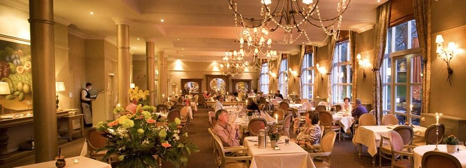 Hotel kasteel bloemendal gastronomie hotel kasteel bloemendal - Foto van de eetkamer ...