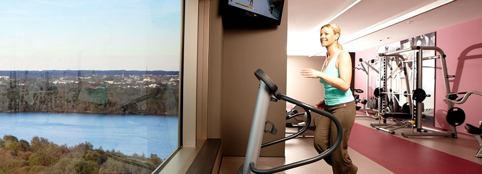 work out with a panorama view  - Airporthotel Duesseldorf