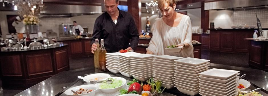 live cooking valk exclusief hotels amp restaurants