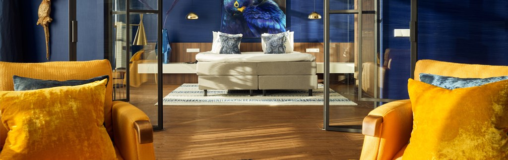 Blue Macaw Suite
