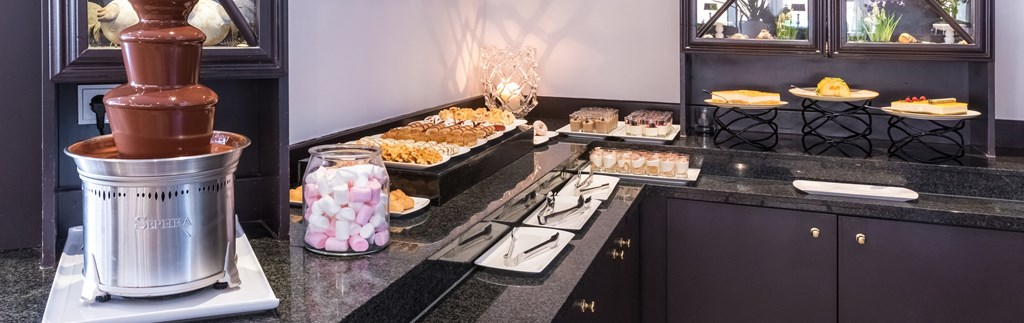 ...including dessert buffet