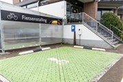 Electric car charging station - Hotel Leiden
