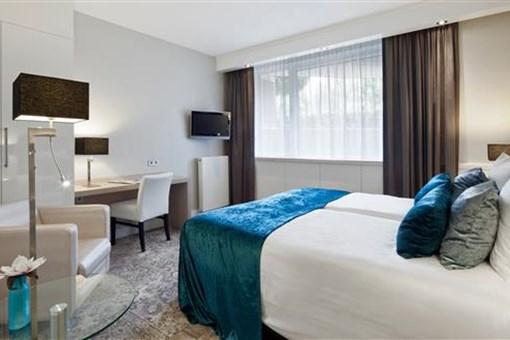 economy t zimmer im souterrain hotel leiden. Black Bedroom Furniture Sets. Home Design Ideas