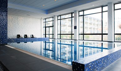 Swimming pool & wellness