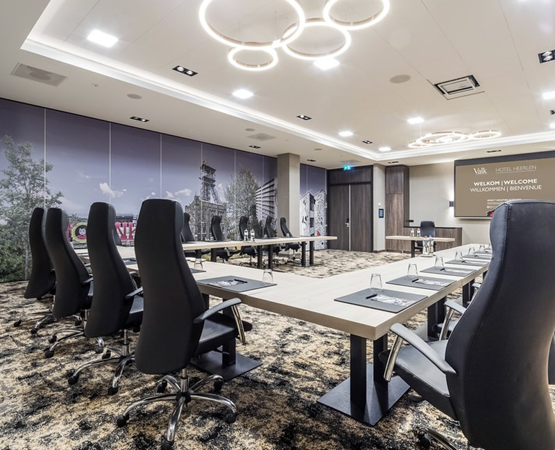 New: 6 multifunctional conference rooms