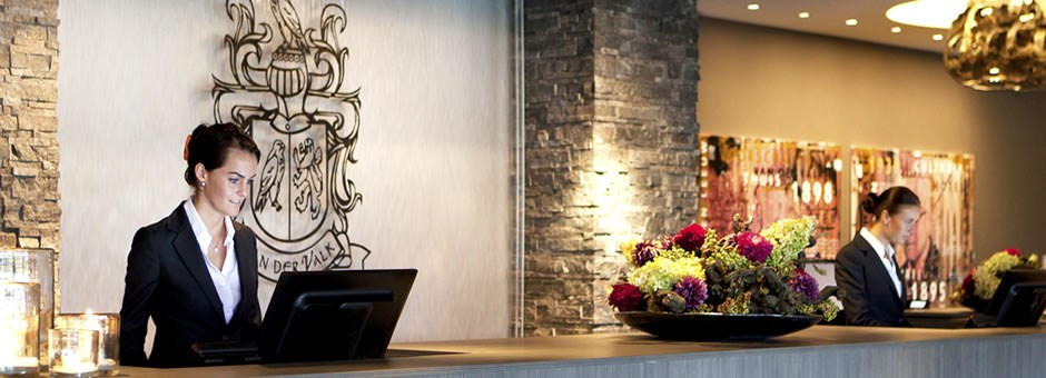WE WILL GLADLY  SERVE YOU - Van der Valk Hotel Dordrecht