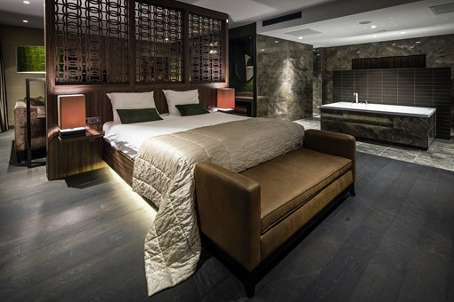 Wellness suite glamour van der valk hotel zwolle for Design hotel zwolle