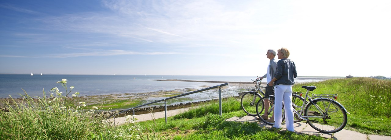 CYCLING AND WALKING IN ZEELAND