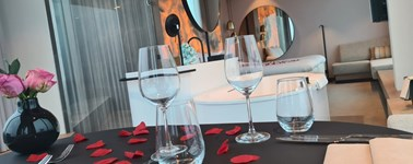 Hotel Amsterdam Zuidas - Romantic In-Room Dining