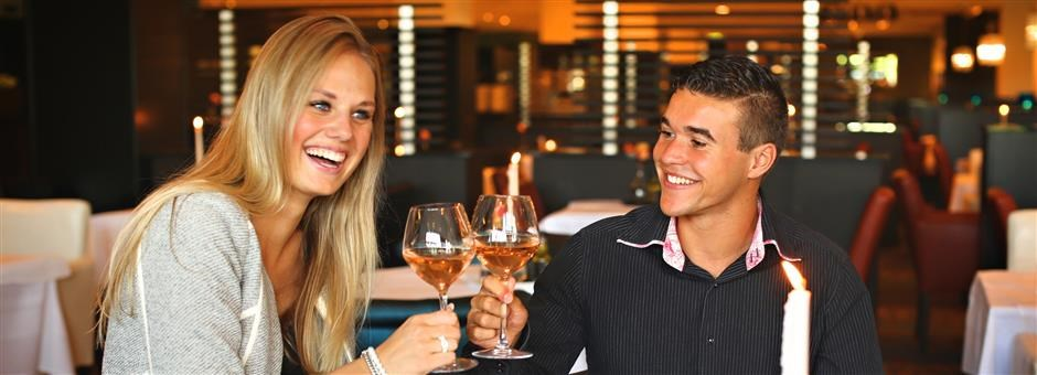 enjoy a delicious dinner - Hotel Akersloot / A9 Alkmaar